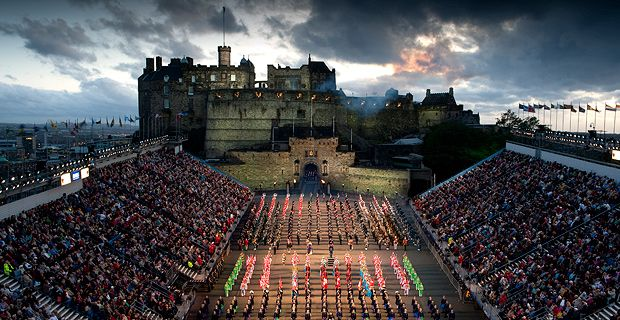 G&M Safety Netting working at the Edinburgh Royal Tattoo project